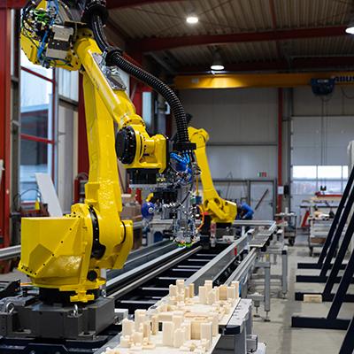 Zwei Roboter auf Achse